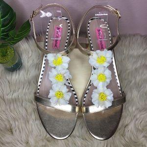 Betsey Johnson Gold Arden Sandals Size 9